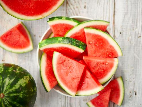 Buah Semangka mengandung likopen sebagai penambah imun tubuh