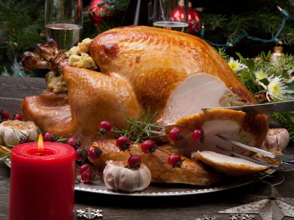 2. 7 Makanan Khas Natal - Roasted Turkey, Amerika