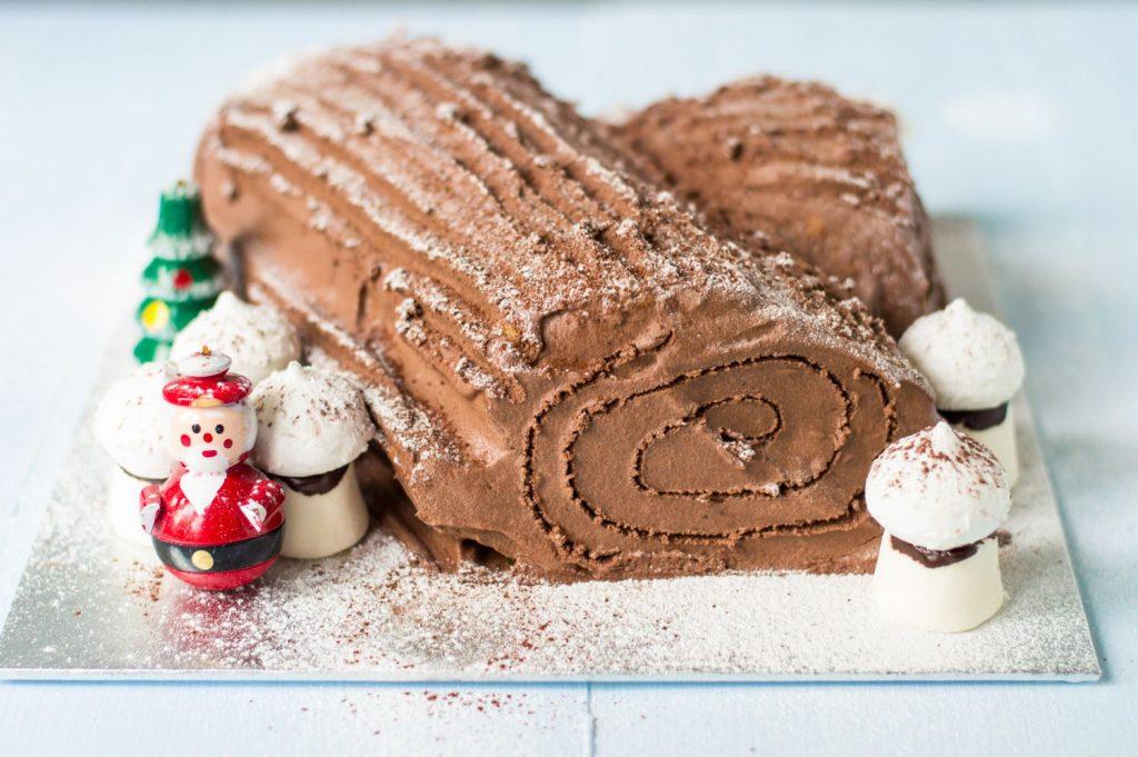 5. 7 Makanan Khas Natal - Bueche de Noel, Perancis