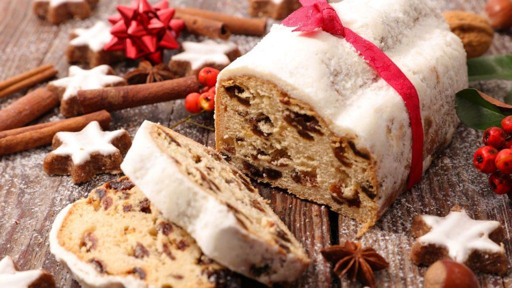 6. 7 Makanan Khas Natal - Fruit Stollen Cake, Jerman