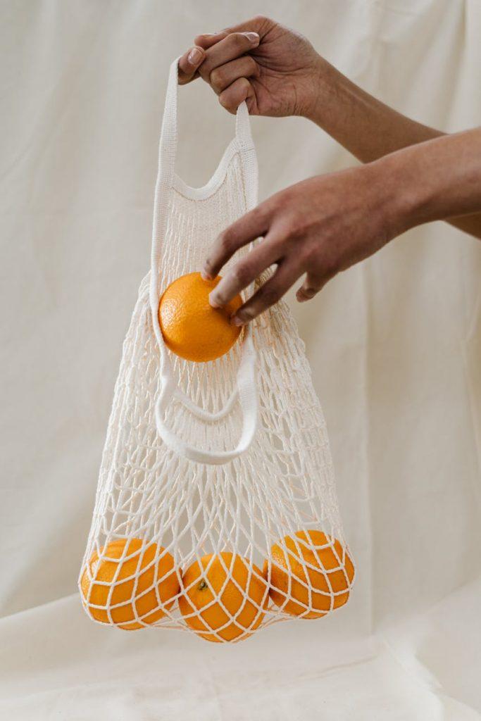 5. Mitos VS Fakta Vitamin C - Jeruk Sumber Terbaik